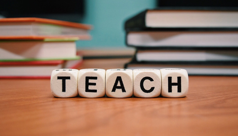 10 tips on finding a teaching English overseas job